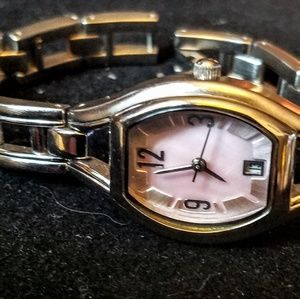 Accessories - Vintage Pink Mother of Pearl Watch